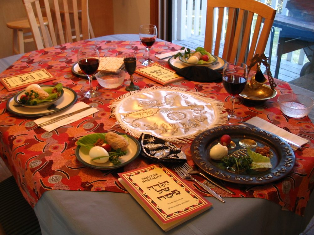 Passover Kosher A_Seder_table_setting