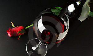 red-wine-rose-10093666